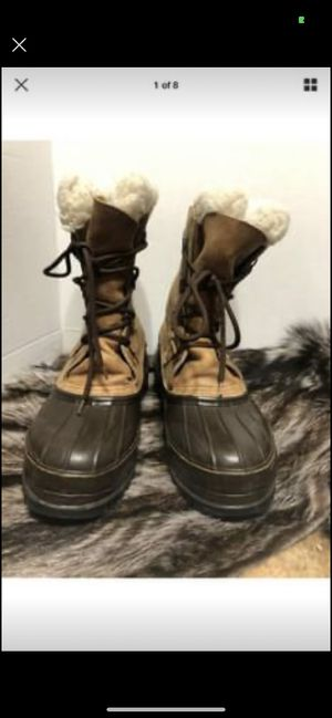 Eddie Bauer Men winter snow boost size 11 for Sale in Dearborn, MI