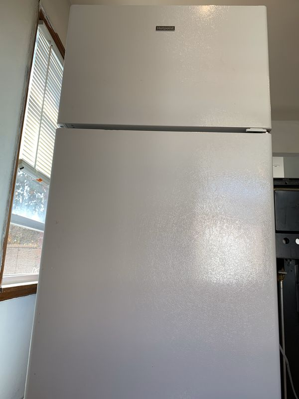 "Hotpoint 28"" 17.6 cu. ft Freezer Refrigerator (almost new)"