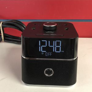 BrandStand CubieBlue Charging Alarm Clock with Bluetooth Speaker 91960-2 for Sale in Tampa, FL
