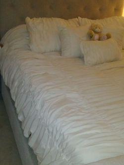 Queen Bed for Sale in Edgewood,  FL