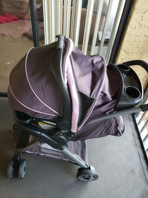 Graco FastAction Fold Travel System!!!!! Stroller and Car Seat W/base!!!! for Sale in Pompano Beach, FL