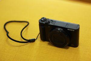 Sony Cyber-shot DSC-HX80 18.2 MP Digital Camera - Black for Sale in Belmont, MA