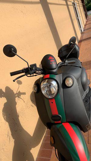 motorcycle motora motor moto Tao tao Yamaha Suzuki for Sale in Miami, FL