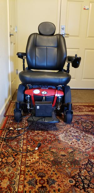 Jazzy 600es Mid-wheel Power chair for Sale in St. Louis, MO