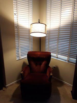 Beautiful floor lamp for Sale in Murrieta, CA