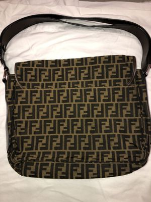 FENDI canvas messenger bag *pre-owned *excellent condition* for Sale in Glendale, CA