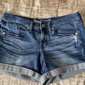 Women's Denim Shorts Size 25 / 0 for Sale in Huntington Beach, CA