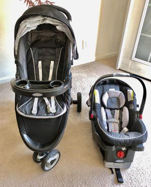 Graco Car Seat and Stroller for Sale in Cranston, RI
