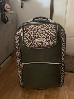 Women's Suitcase. for Sale in Washougal,  WA