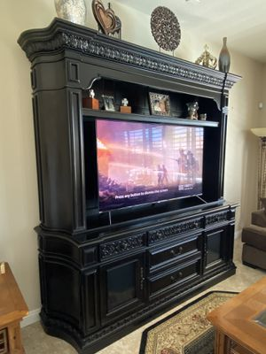 Stunning Wall Unit for Sale in Las Vegas, NV