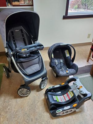 Chicco Bravo Trio Travel System Stroller Carseat Base for Sale in Cascade Locks, OR