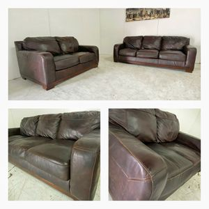 Italian genuine leather couches in excellent conditions. Sofa and love seat can deliver for Sale in Charlotte, NC