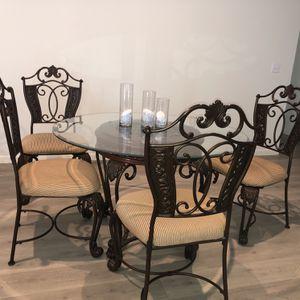 Round Glass table for Sale in Visalia, CA