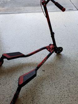 Yvolution Split Scooter (Fliker Lift) for Sale in San Jose,  CA