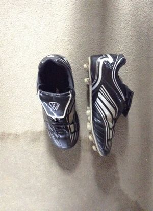 Soccer cleats size 3 for Sale in Sioux Falls, SD