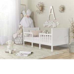 White Toddler Bed with Graco Mattress for Sale in Los Angeles, CA