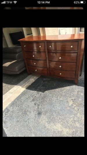 Dresser for Sale in Sunrise, FL