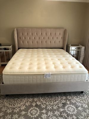 California King Tufted Bed Frame for Sale in Concord, CA