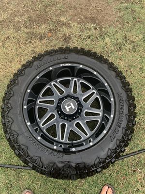 22x12 8 lug Chevy for Sale in Fresno, CA