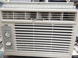 Ac window unit blows cold like new for Sale in San Antonio, TX