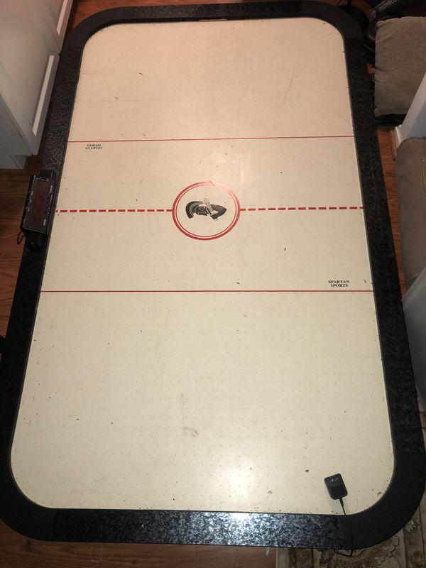 Big Air hockey table floor game