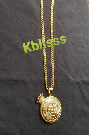 🔥🔥🔥14k Gold Plated Miami Cuban Link Chain w Iced Out Pendant... Available for Pick up or Delivery 🚚🚗 for Sale in Miami, FL