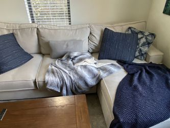 Huge 10' Sectional Couch for Sale in Austin,  TX