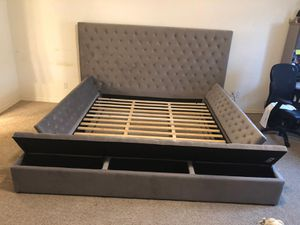 King bed frame with storage brand new for Sale in Houston, TX