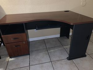 Office Desk for Sale in NV, US