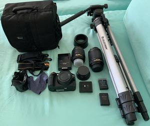 Nikon D3200 with 18-55mm, 55-200mm lenses plus more for Sale in Kissimmee, FL