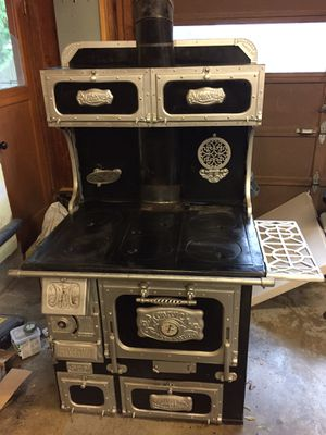 Malleable iron co. Monarch antique wood stove for Sale in Boring, OR