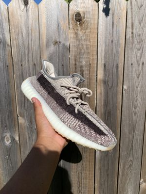 yeezy 350 v2 zyon for Sale in Kentwood, MI