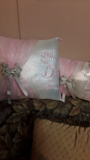the sweet 15 pillow bow brand new for Sale in York, PA