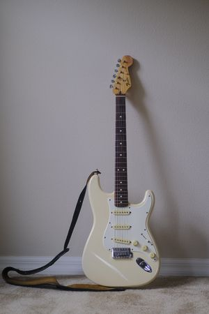 Fender Stratocaster Olympic White W/ Case - MN544811 for Sale in St. Cloud, FL