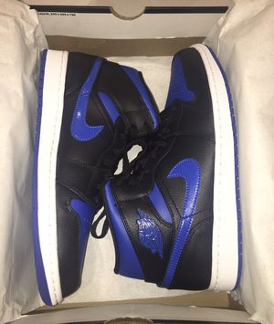 Air Jordan 1 mid royal for Sale in Roseville, CA
