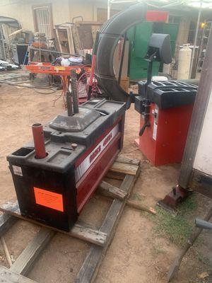 Máquina de balanceo y desmontadora for Sale in Mesa, AZ