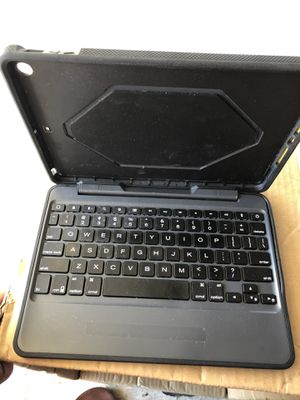 iPad 9.7 case with keyboard for Sale in Santa Ana, CA