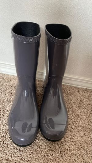 Ladies UGG Rain Boots for Sale in Wilsonville, OR