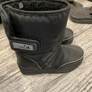 Kids Snow Boots Size 11 for Sale in Santa Ana, CA