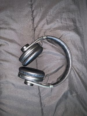 Bluetooth headphones for Sale in Federal Way, WA