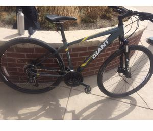 Giant hybrid bike for Sale in Sheridan, CO