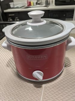 Small Crockpot/Slow Cooker for Sale in Aurora,  OR