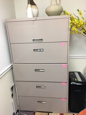 5 draw file cabinet for Sale in Catonsville, MD