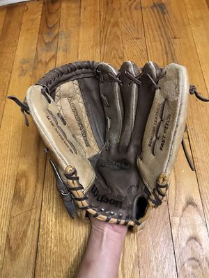 "Wilson A440 Fast Pitch 11 1/2"" Genuine Leather Softball Glove A0440 125-BR 12.5"" for Sale in French Creek, WV"