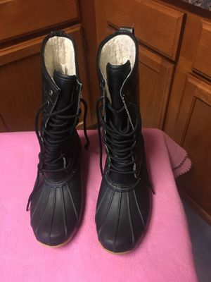 Women black rain boots size 8 for Sale in Baltimore, MD