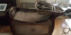 Graco playpen has all parts for newborn to toddler also changing table wipes and diaper holder. Plays 🎶 music has carrier bag for Sale in Columbus, OH