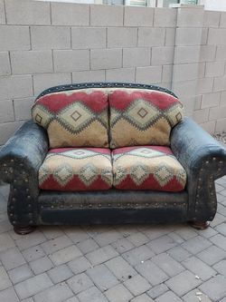 FREE LOVESEAT COUCH - PENDING PICK UP for Sale in Glendale,  AZ