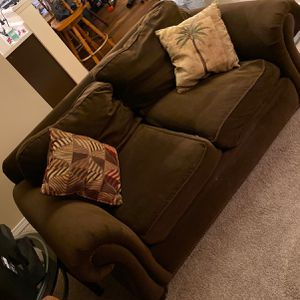 Free Couch for Sale in Renton, WA