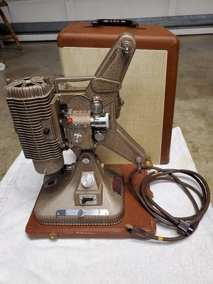 Keystone Regal K-109 8mm Vintage Movie Projector with case, 1950s. Tested works. for Sale in San Lorenzo, CA