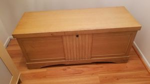 Lane cedar chest..antique for Sale in Woodbridge, VA